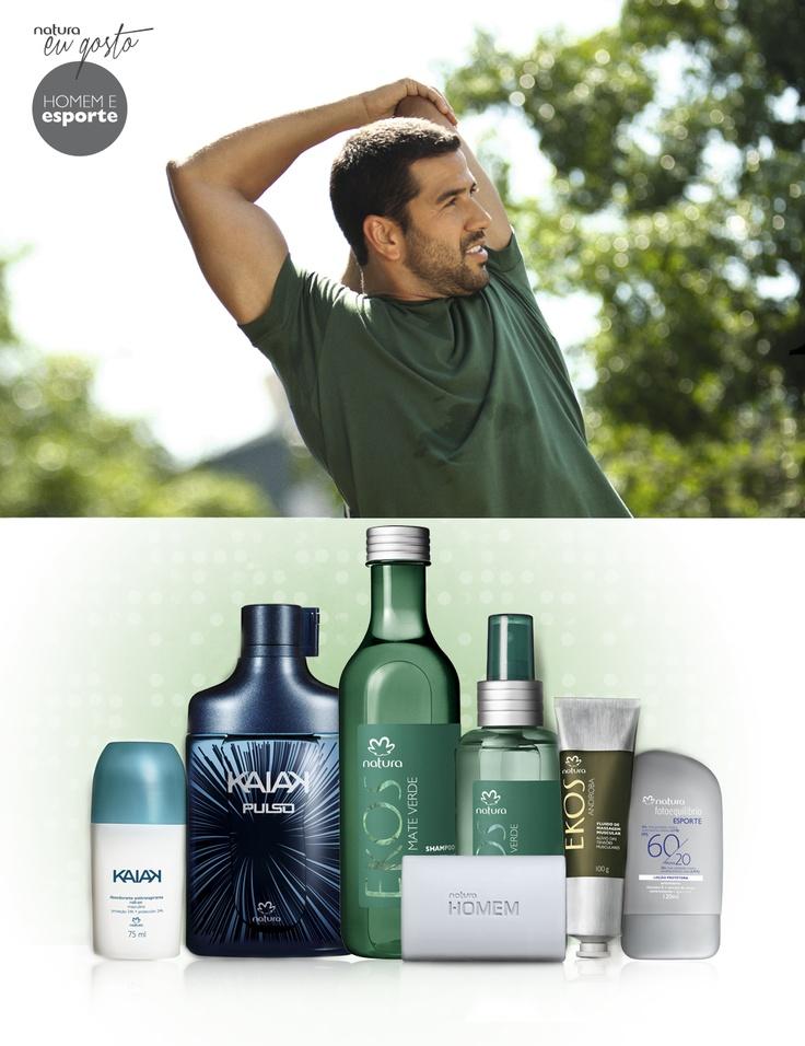 """#EuGosto #HomemEsporte Paulo Paiva, conta: """"Depois do esporte não pode faltar um banho refrescante. Gosto de usar o básico: sabonete e shampoo. Para completar, não fico sem meu perfume."""" Conhece alguém assim? Acesse e peça a combinação especial: http://apps.facebook.com/aquitemnatura/cfs/home Desodorante #Kaiak, Desodorante colônia #Kaiak Pulso, Shampoo #NaturaEkos Mate Verde, Desodorante Para Pés #NaturaEkos, Fluido de Massagem #NaturaEkos, Protetor #NaturaFotoequilibrio, Sabonete…"""