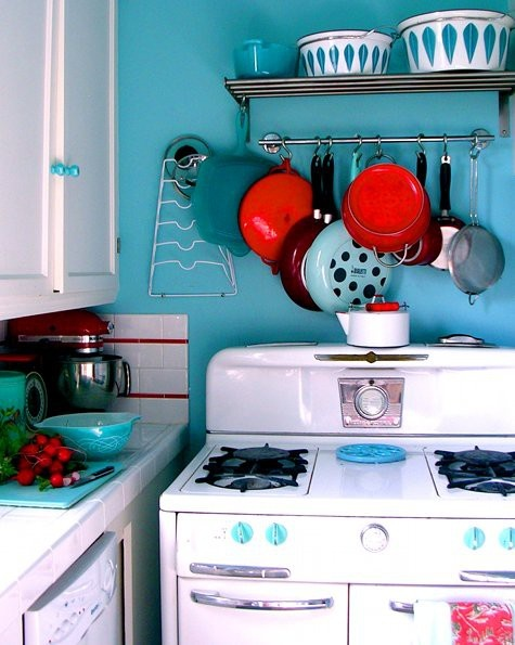 turquoise, red & white kitchen  decor  Pinterest