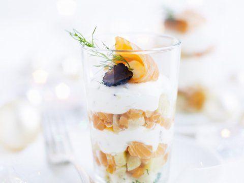 Salade van gerookte zalm in glaasjes - Libelle Lekker
