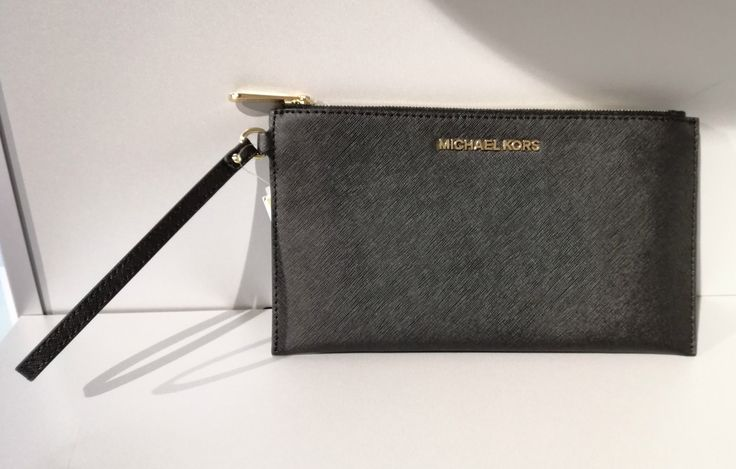 Evening #purse by #MichaelKors #fallwintercollection   Price: 84,00€