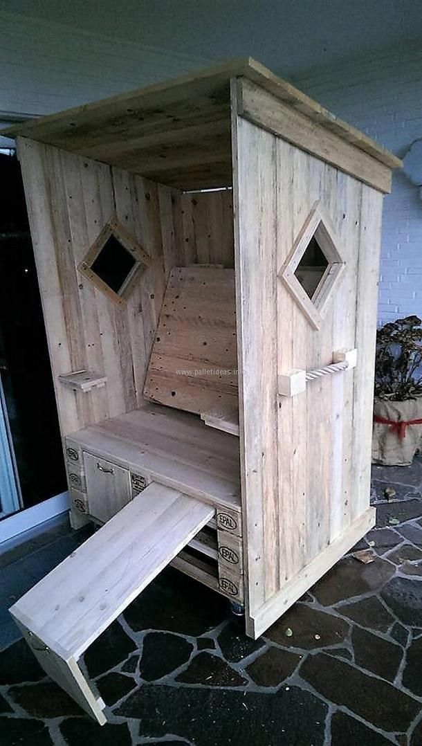 Here Is Shown How The Chair Looks When It Is Completed One Can Use The Sander To Smooth The Strandkorb Aus Paletten Paletten Ideen Garten Holzpaletten Basteln