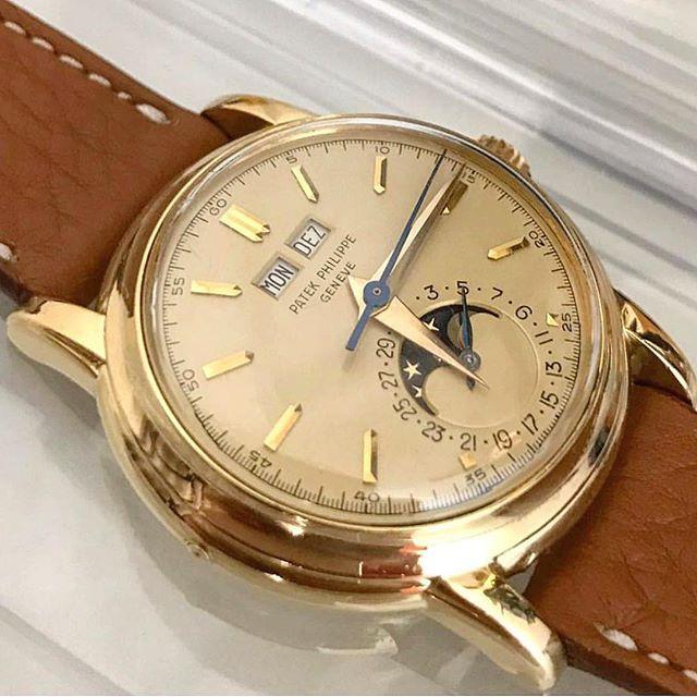 El Patek 2438. El gusto personal, por supuesto, pero no son el 2438 y el 2499 la más bella de relojes de época?  Foto @ watchlover0601 #patek #patekphilippe #dailywatch #wotd #watchmania #watchaddict #montre #uhren #reloj #patekcollector #watchs #watches #wristwatch #wristporn #wristcandy #wristgame #watches #watchnerd #watchporn #horloge #horlogerie #watchesofinstagram #vintagewatch # vintagepatek #wristshot #hodinkee #patekaholic #watch #vintagewatches