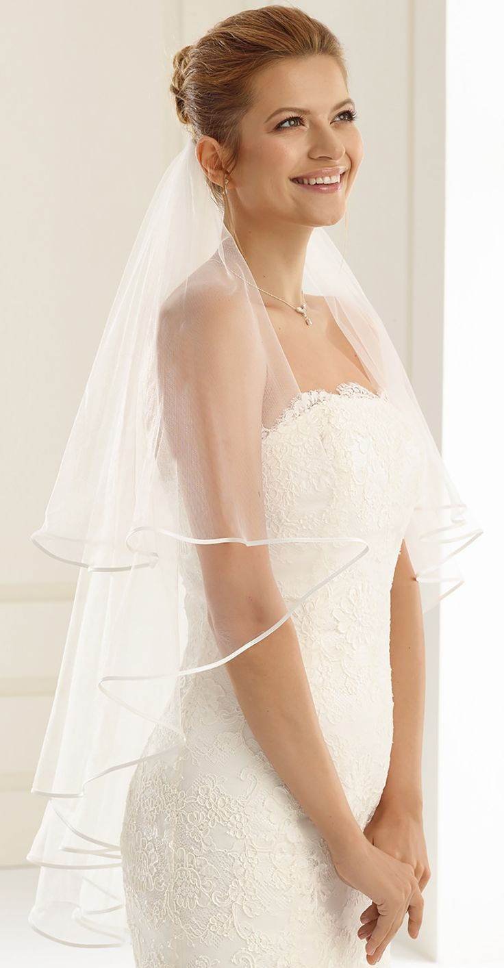Gorgeous veil S7 from Bianco Evento #biancoevento #veil #weddingdress #weddingideas #bridetobe
