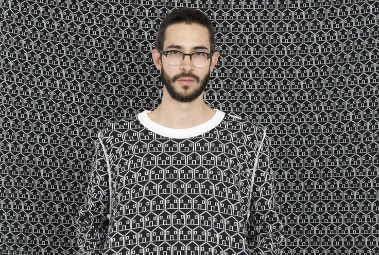 Black house (sweater)
