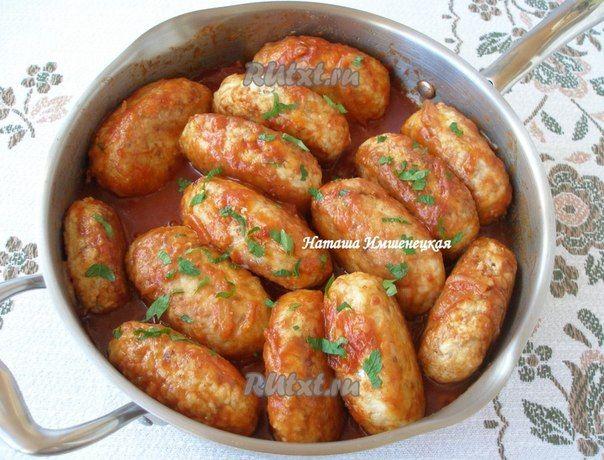 Гречаники - блюдо украинской кухни, которое готовится из мясного фарша с добавлением вареной гречки. Пропорции фарша и гречки можно варьировать в зависимости от предпочтений. Гречаники можно готовить…