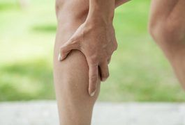 Your calf muscle is located on the back of your lower leg. Calf muscles can become strained or pulled due to excessive physical activity, overuse or a direct blow to the leg. Stretching before exercise often helps to prevent sore calf muscles. The intensity of a strained or sore calf muscle can vary from mild to severe, but symptoms usually involve...