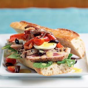 .: Nicoi Salad, Chocolates Layered Cakes, Nioi Sandwiches, Foodies Girls, Sandwiches Recipes, Salad Sandwiches, Sandwiches Recipeoftheday, Niçoi Salad, Nicoi Sandwiches