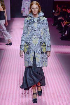 Mary Katrantzou – London Fashion Week 2015 - unsere Top 5 Shows: Fashion Week reiht sich an Fashion Week. Bevor es nächste Woche weitergeht mit dem Bericht über die Mailänder Modewoche, sind hier unsere Top 5 Favoriten der Fashion Shows aus London.