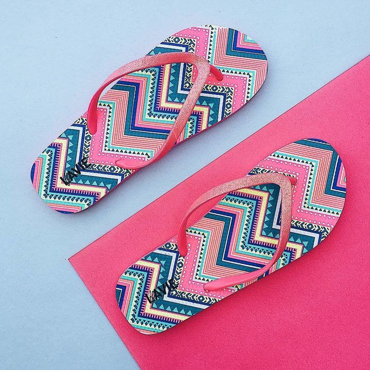 Lavie Multicoloured Printed Shimmery Flip-Flops