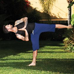 Adam Levine Teaches Men to Love Yoga