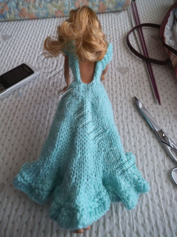 tuto gratuit barbie : robe tricot en forme et en dentelles