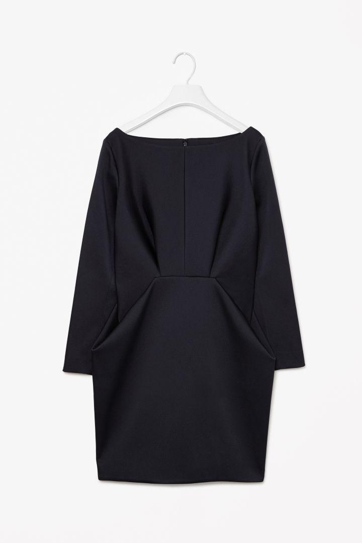 MINIMAL + CLASSIC: Folded waist dress- this is elegant #minimalist #fashion #style