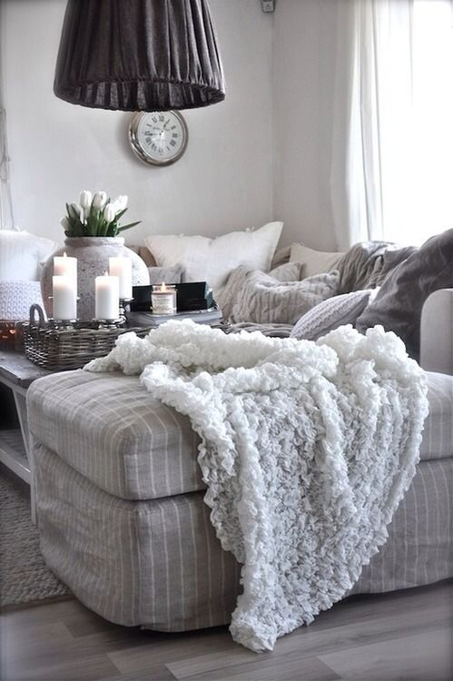 grey and white is one of my favorite color palettes for the house!
