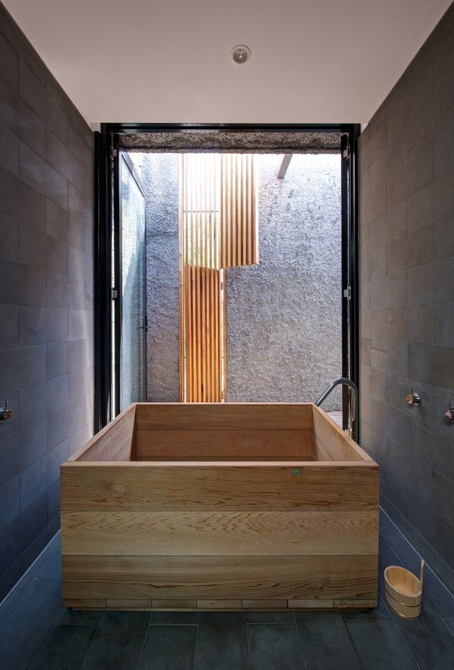 The New Old House Featuring Melbourne Laneway Art Culture Designhunter Architecture Design