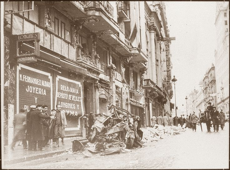 Spain - 1936. - Madrid - Gran via - after Francos Bombardement