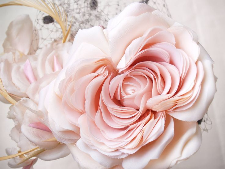 Roses++woman+hat