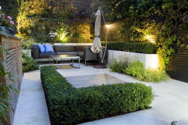 Grâce à des photos d'aménagements, je vous explique comment créer un jardin urbain qui semblera plus grand, plus lumineux et plus accueillant.
