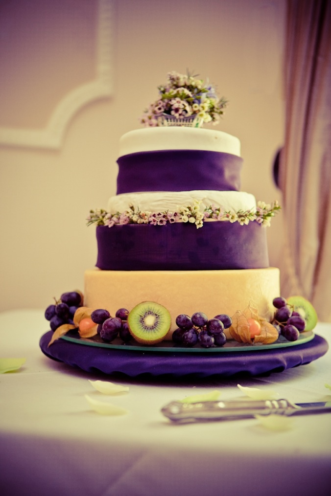 18 best Wedding Cakes images on Pinterest | Bakery cafe, Cake ...