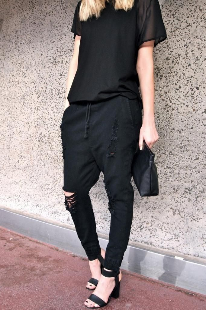Photos via: Give Me That Thing Great black-on-black look on Alex. Love her slouchy destroyed drop...