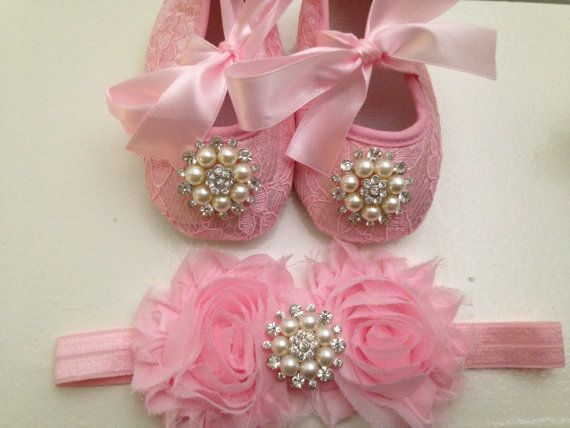 Pink Lace baby shoes and headband setNewborn by MimisTinyFeet, $18.99