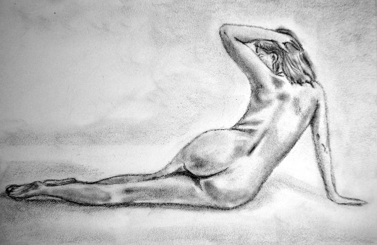 Ejercicios para libro de dibujo/Desnudo /Carboncillo y lápiz sobre papel por Jessica Millan G