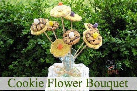 Traktatie: bloemetje van koek & snoep » Homemade Happiness - Knutsel zelf de leukste kinderfeestjes! Kant en klare KnipBoeken en printbare knipvellen