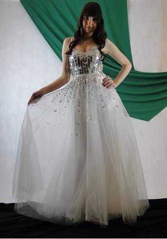 Vestido de debutante tamanho 38, acesse www.blacksuitdress.com.br