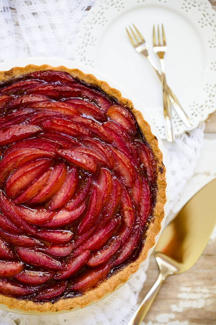 Easy Port And Pluot Tart Recipe Perfect As A Summer Dessert Treat This Tart Can Also Work With Plums Peaches Or Recipes Summer Dessert Recipes Fruit Recipes