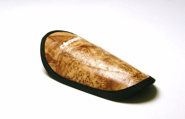 Wood finished Carbon/aramid shin pad