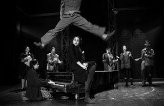 GR4YOU: Θέατρο blackbox - Για 2  μόνο παραστάσεις 20  & 21...