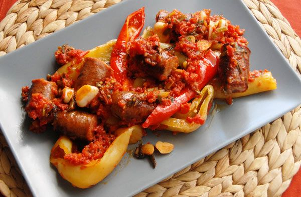 Spetzofai: Greek stew with sausage and peppers |Nomr
