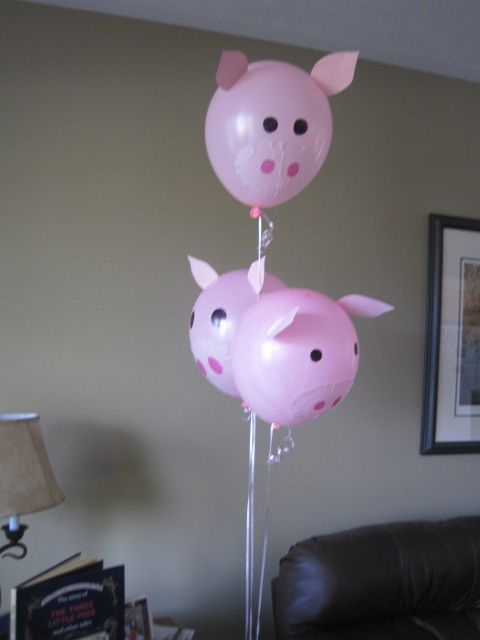 decorations for baby shower- balloon animals- pigs