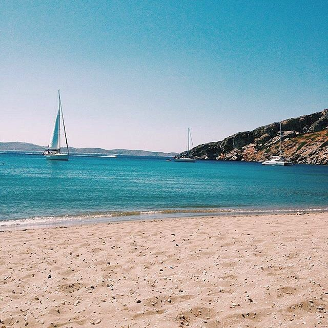 Discover the beautiful isolate beaches of Schinoussa island (Σχοινούσα) During the summer it is a very famous destination for sailing boats & yachts . Crystal-clear waters and peaceful atmosphere !