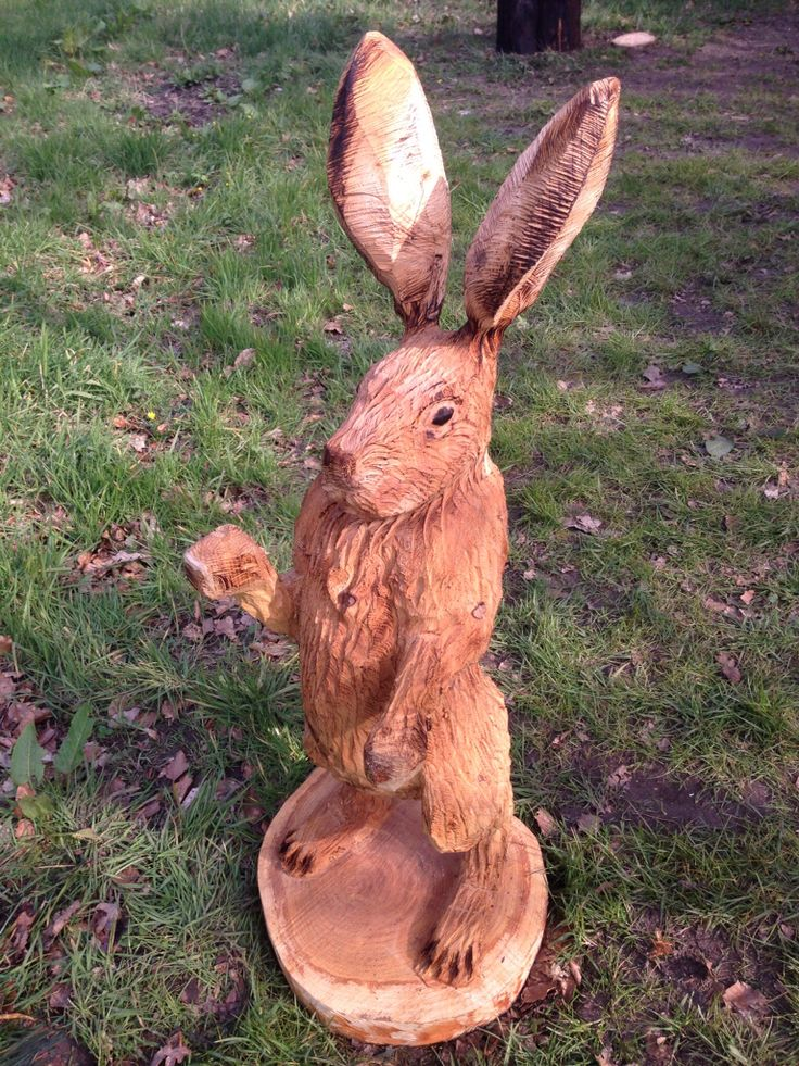 Chainsaw carving of a hare by arnie barton the roadside