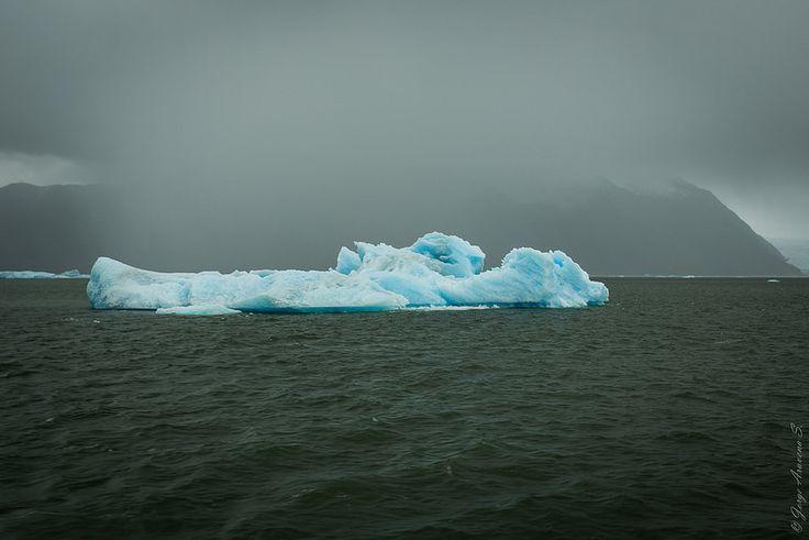 Fragmentos de Iceberg en laguna San Rafael