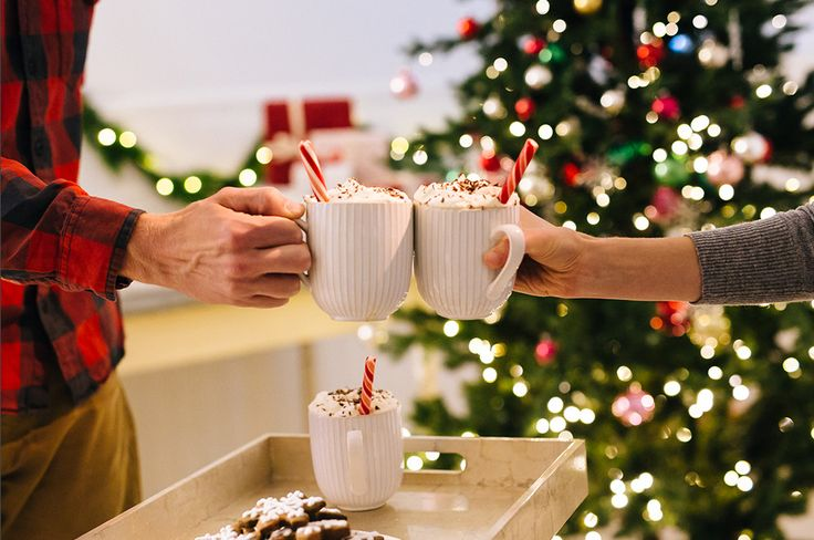 Peppermint Mocha Cocktail Recipe. Make this #Starbucks Christmas recipe at home.