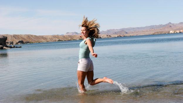 Come dimagrire in acqua: non solo nuoto