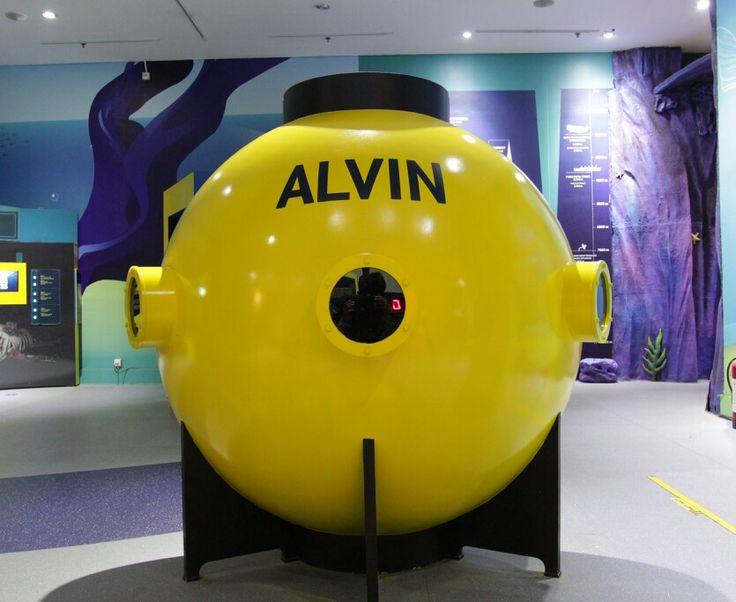 Alvin di bangun pada tahun 1964. Alvin telah melakukan hampir 5000 penyelaman dan merupakan kapal selam penelitian tertua di dunia.  Ingin tahu lebih banyak?  Ayo bermain ke Ocean World Science Center di Trans Studio Bandung  #kapalselama #alvin #oceanworld  #sciencecenter #transstudiobandung