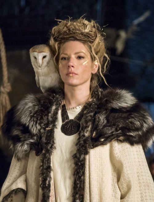 Katheryn Winnick as Lagertha in Vikings (TV Series, 2017). [x]