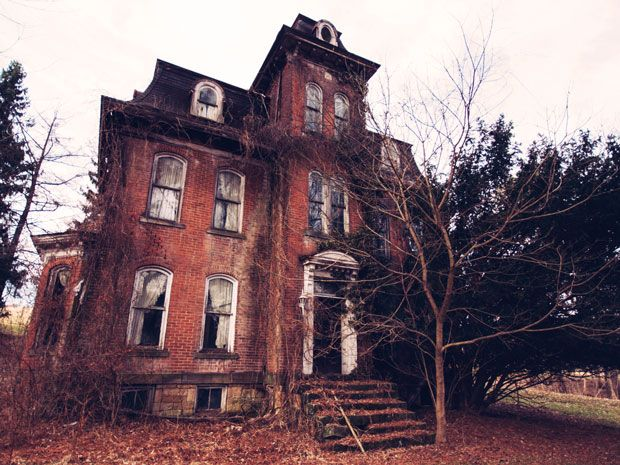 8 REAL HAUNTED HOUSES YOU CAN ACTUALLY VISIT - From possessed plantations to the home of a grisly axe murder, take a spine-chilling tour of these real haunted houses across the country.