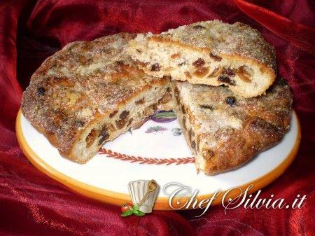 Pan del buttero  (focaccia con uvetta e fichi)