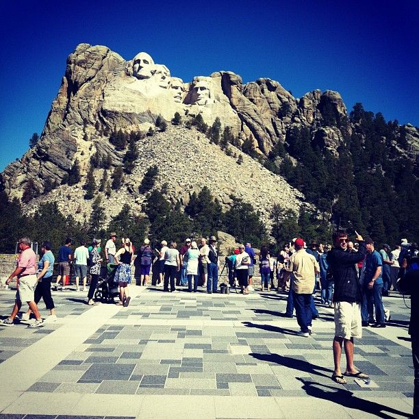 Have you been to Mount Rushmore? What did you think? #SuliaChat