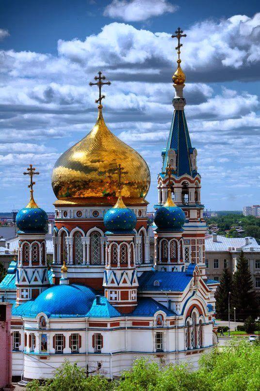 La Catedral Dormition en Omsk es una de las iglesias más grandes en Siberia.