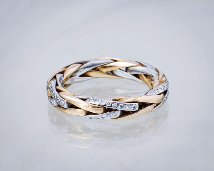 Pierścionek z diamentami.  #Sklep #złoto-Orla #Warszawa #pierścionek #obrączka #prezent #złoto #biżuteria #ślub