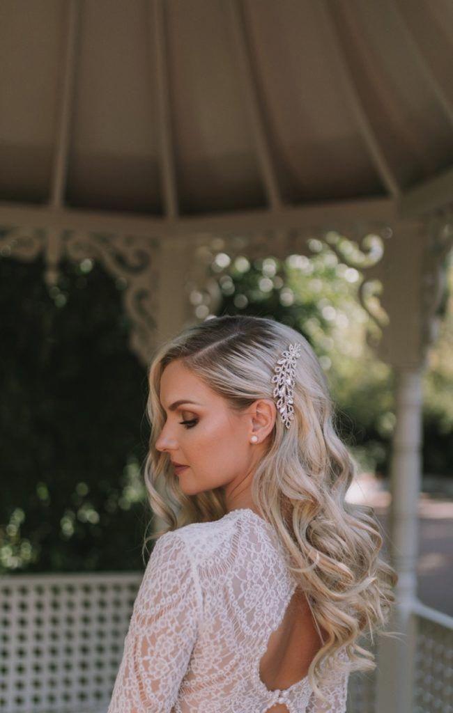 1940s Hairstyle Vintage Wedding Hair Vintageweddinghair 1940s Hair Hairstyle Vintage Vintage Bridal Hair Down Romantic Wedding Hair Wedding Hair Side