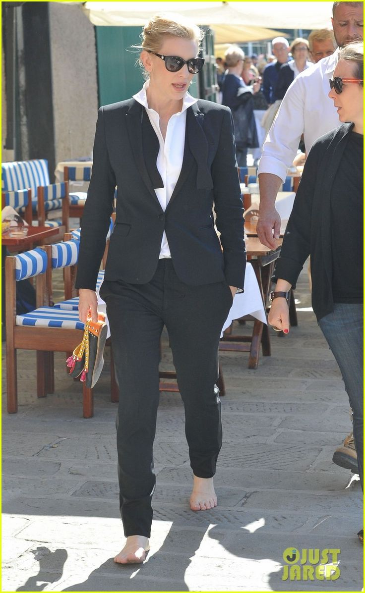 emily blunt cate blanchett iwc commercial italy 24 Emily Blunt and Cate Blanchett both suit up to film a new commercial for the International Watch Company on Sunday (May 18) in Portofino, Italy.    The ladies were…