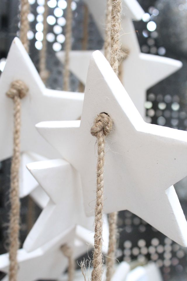 white christmas stars | Xmas decoration . Weihnachtsdekoration . décoration noël | @ lotte manou |