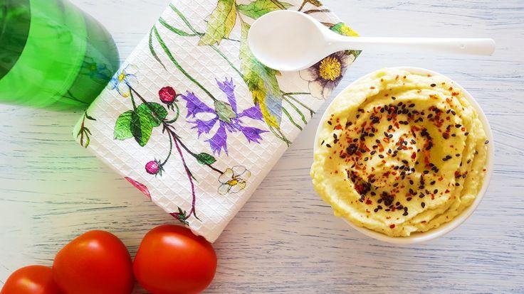 Receta fácil y ligera con explicación detallada paso a paso y fotografías para preparar en casa un riquísimo paté de calabacín.