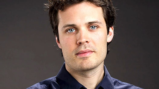 James Anderson as Dr Oliver Valentine with the awesome eyes!