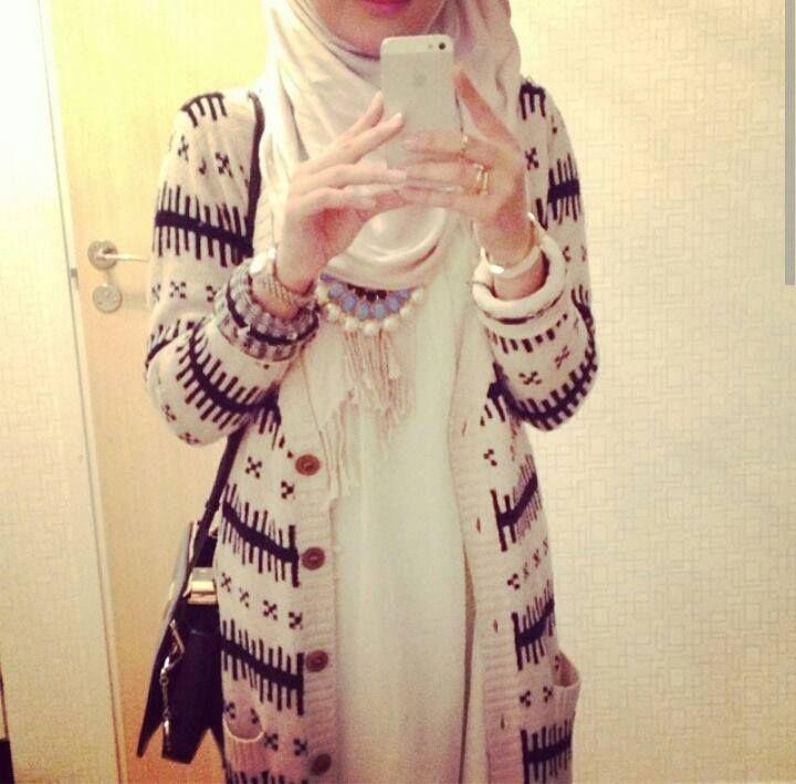 #Hijabi I love long cardigans <3